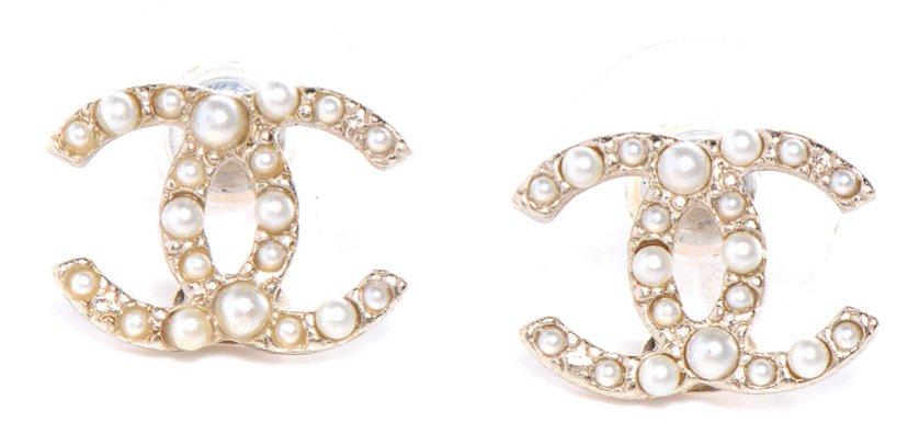 Gold pearl Chanel earrings
