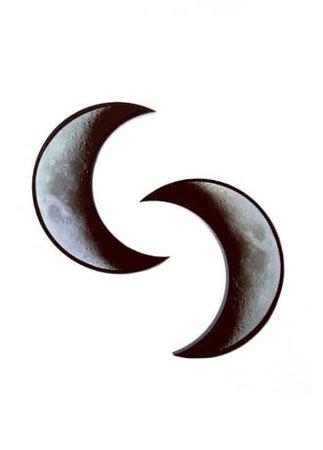 CURIOLOGY Crescent Moon Hair Clips