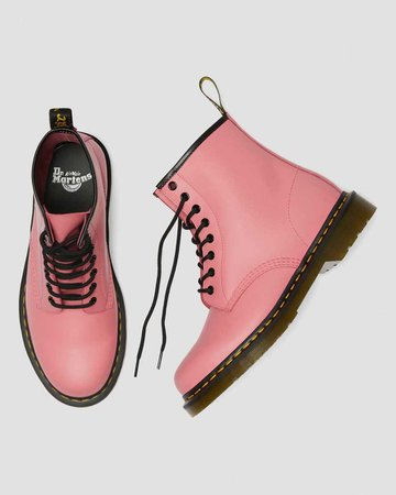 1460 SMOOTH LEATHER LACE UP BOOTS | Dr. Martens Official
