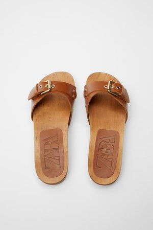 FLAT LEATHER SANDALS WITH WOOD SOLE | ZARA United States brown