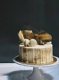 birthday cake gold – Google-Suche