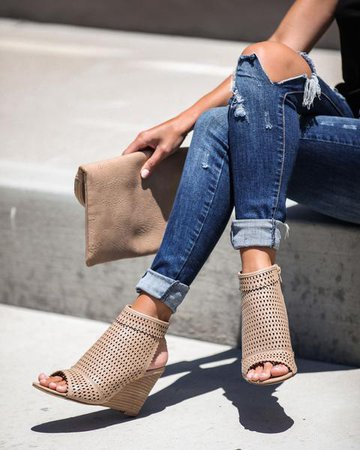 Saint Tropez Perforated Wedge – VICI