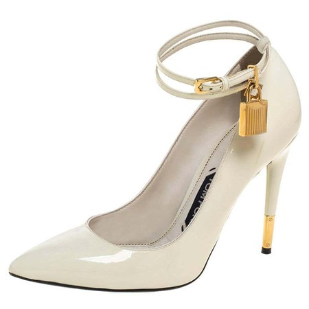 Tom Ford Cream Patent Leather Padlock Ankle Wrap Pointed Toe Pumps Size 38.5 For Sale at 1stDibs