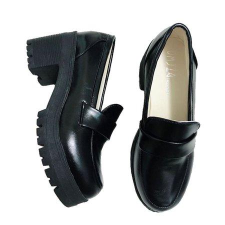 black png shoes