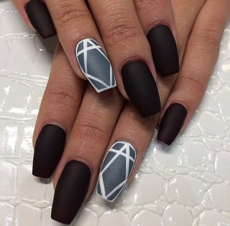 Black-Nail-Art-Designs-and-Ideas-10.jpg (600×589)