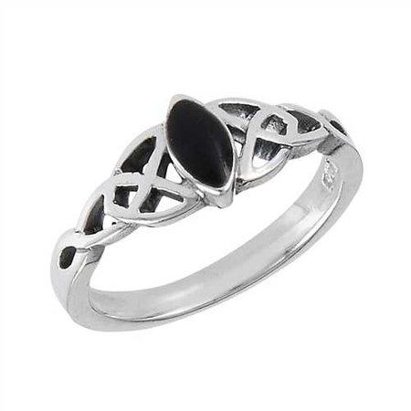Sterling Onyx Celtic Ring // goodgoth