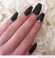 black nails - Google Search