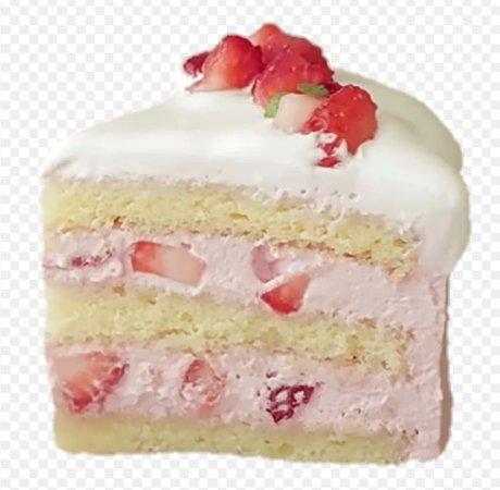 strawberry cake 🍰