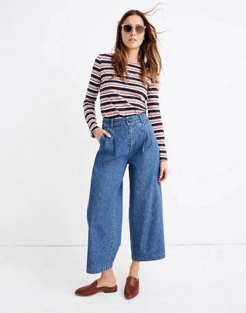 Pleated Wide-Leg Jeans