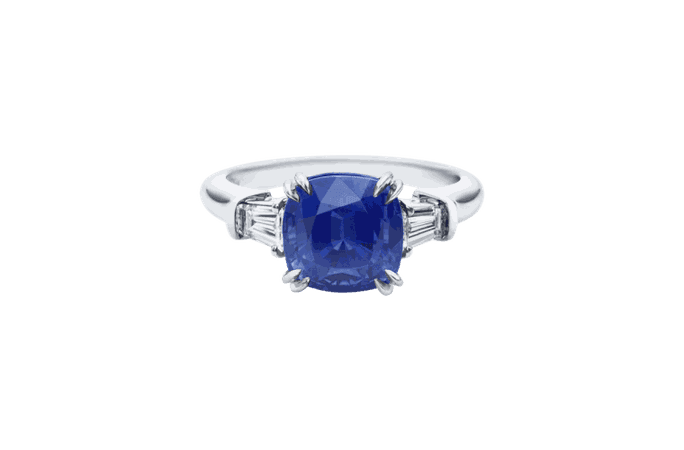 Cushion-Cut Sapphire Ring | Harry Winston