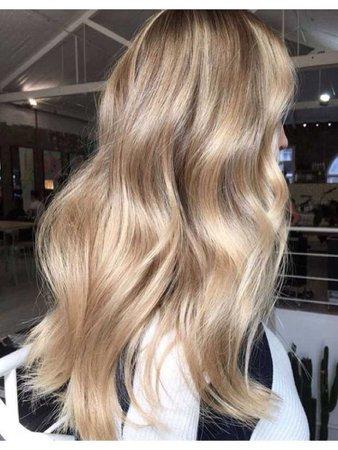 blonde 👱🏼♀️