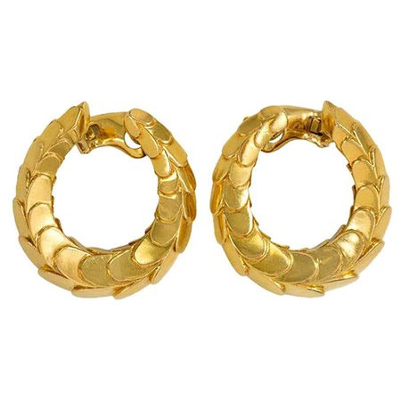 Cartier 1960s Gold Hoop Earrings of Scaled Design For Sale at 1stDibs