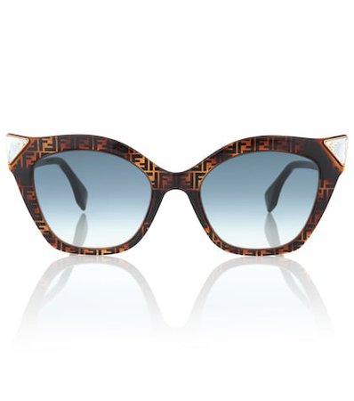 Iridia logo cat-eye sunglasses