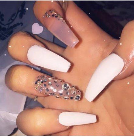 baddie nails