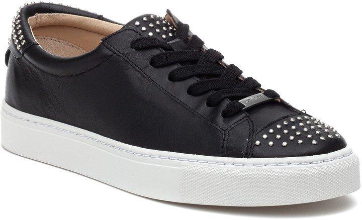 Lulu Sneaker