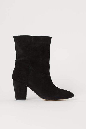 Suede Boots - Black