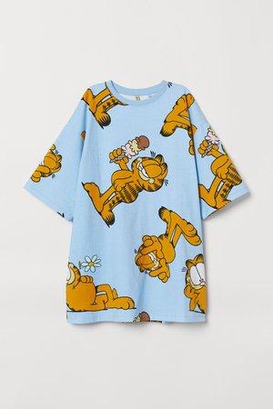 Wide-cut T-shirt Dress - Light blue/Garfield - Ladies | H&M US