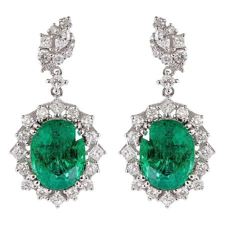 7.1 Carat Emerald and Diamond Earrings in 18 Karat White Gold For Sale at 1stDibs