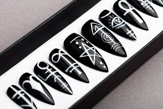 Sigil Press on Nails Occult signs Black Nails Hand