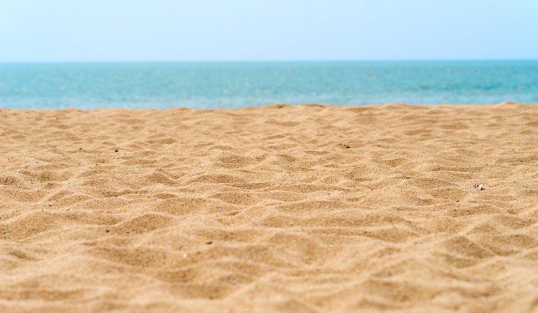 beach-sand.jpeg (2578×1503)
