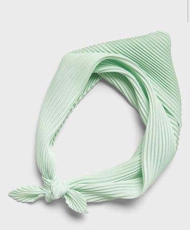 green head scarf