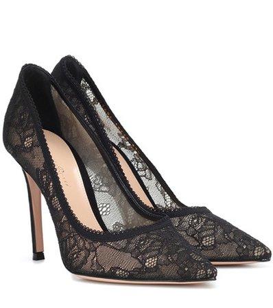 Liliane lace pumps