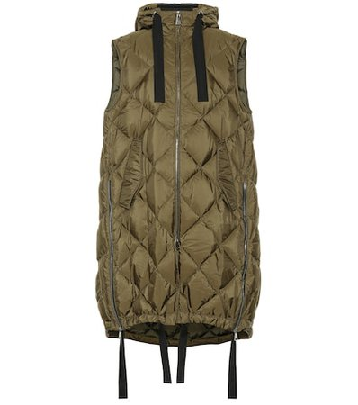 2 MONCLER 1952 Belmopan sleeveless down vest