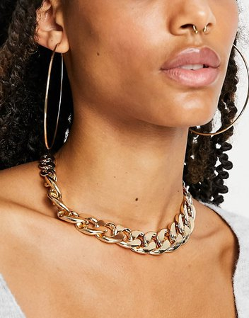 Liars & Lovers necklace in chunky gold chain | ASOS