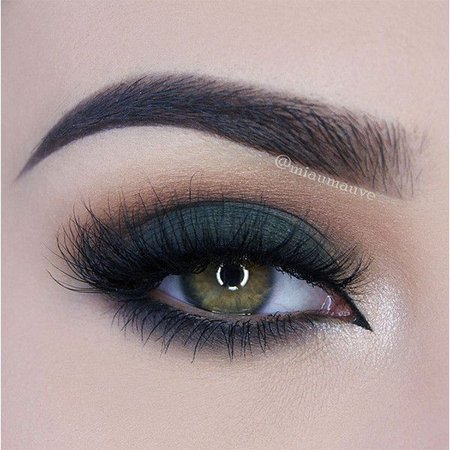 Dark Green Eyeshadow