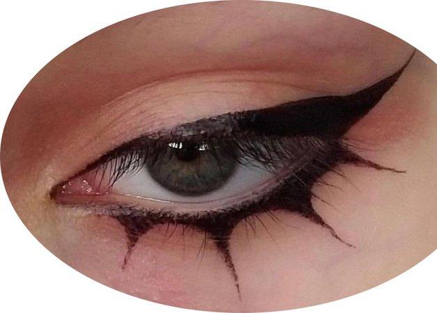 goth eyeliner