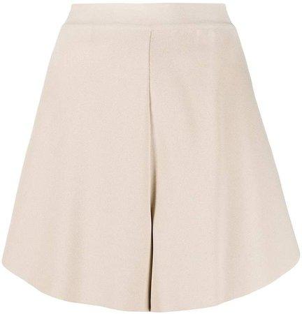 flared short shorts