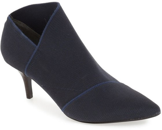 'Hermes' Pointy Toe Bootie