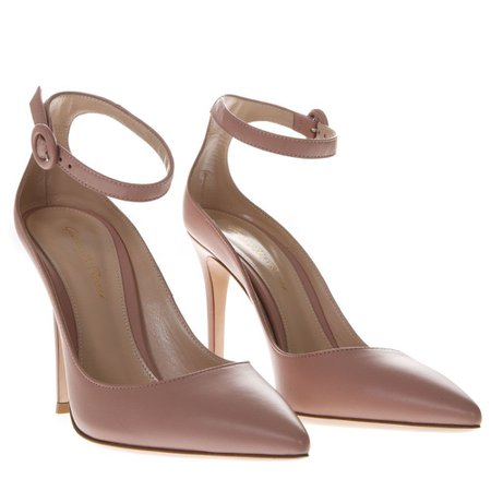 Gianvito Rossi Nude Pink Leather Pumps