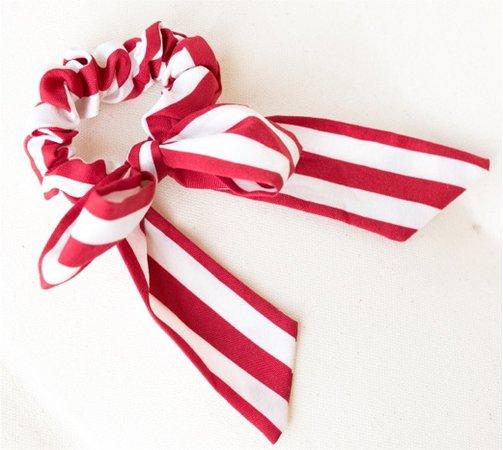 red striped scrunchie