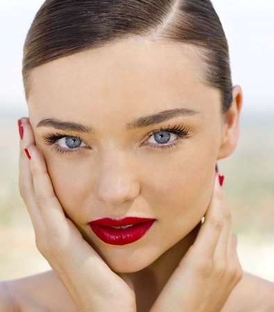 Red Lip Makeup Look - Miranda Kerr