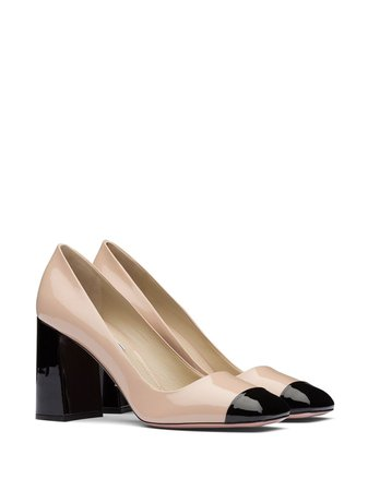 two tones patent leather pumps