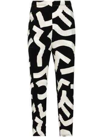 Issey Miyake Patterned Plissé Cropped Trousers - Farfetch