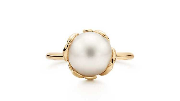 olive leaf and pearl ring Tiffany and co. $9978