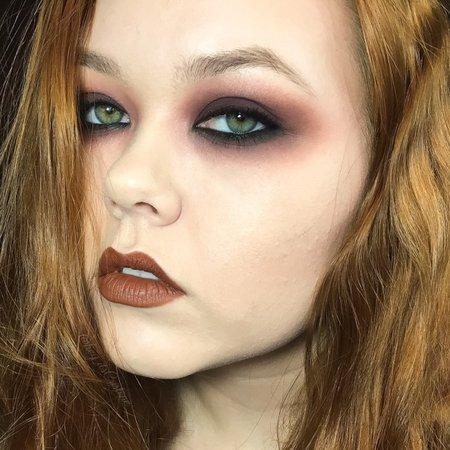 dark circle makeup grunge