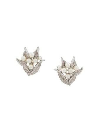 Shop silver Susan Caplan Vintage '1960s leaf clip-on earrings with Express Delivery - Farfetch