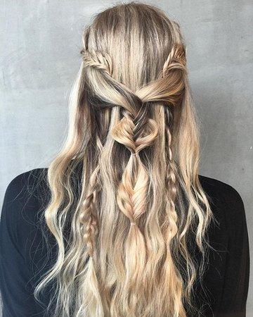 Blonde Hair (Khaleesi Style)