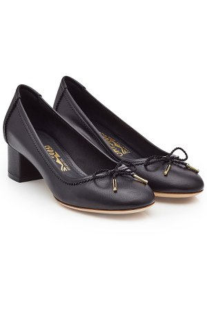 Leather Kitten Heel Pumps Gr. US 5.5