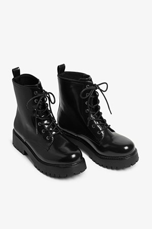 Platform lace-up boots - Black - Boots - Monki WW