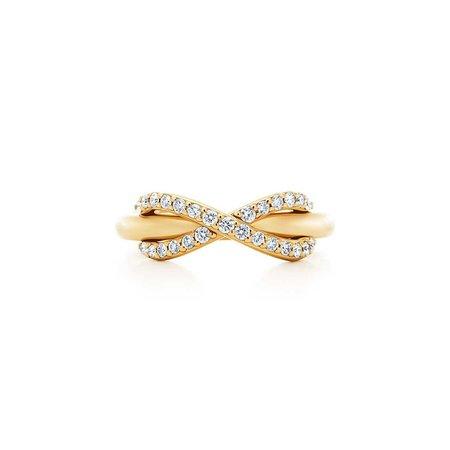 Tiffany Infinity 18k gold ring with diamonds | Tiffany & Co.