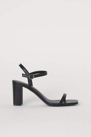 Block-heeled Sandals - Black