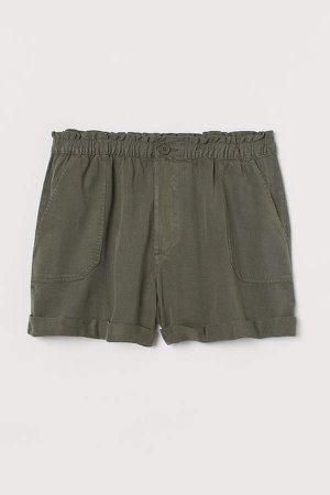 H&M+ Twill Shorts - Green