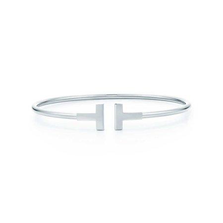 Tiffany T wire bracelet in 18k white gold, medium. | Tiffany & Co.
