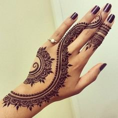 60 Eye-Catching Tattoos on Hand | Cuded | Henna tattoo designs, Hand henna, Henna tattoo