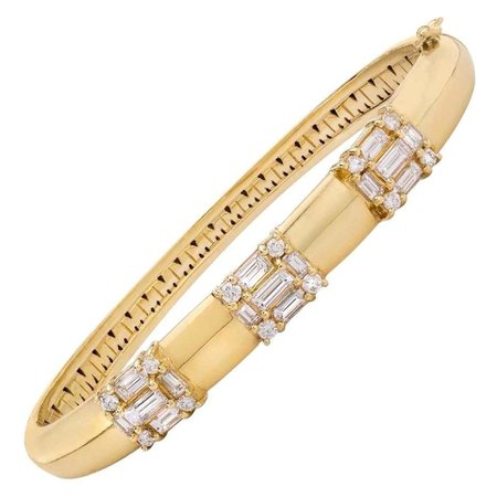18 Karat Yellow Gold Diamond Clarity Bangle Bracelet