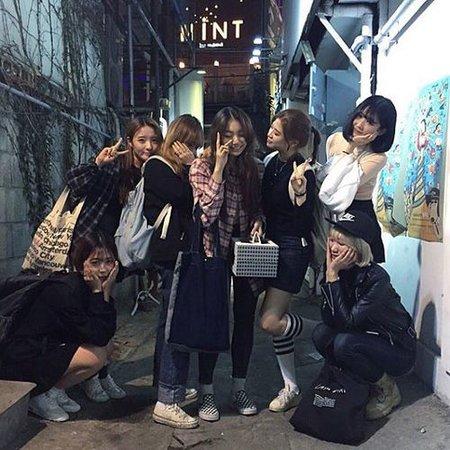 ulzzang group of friends girls - Pesquisa Google